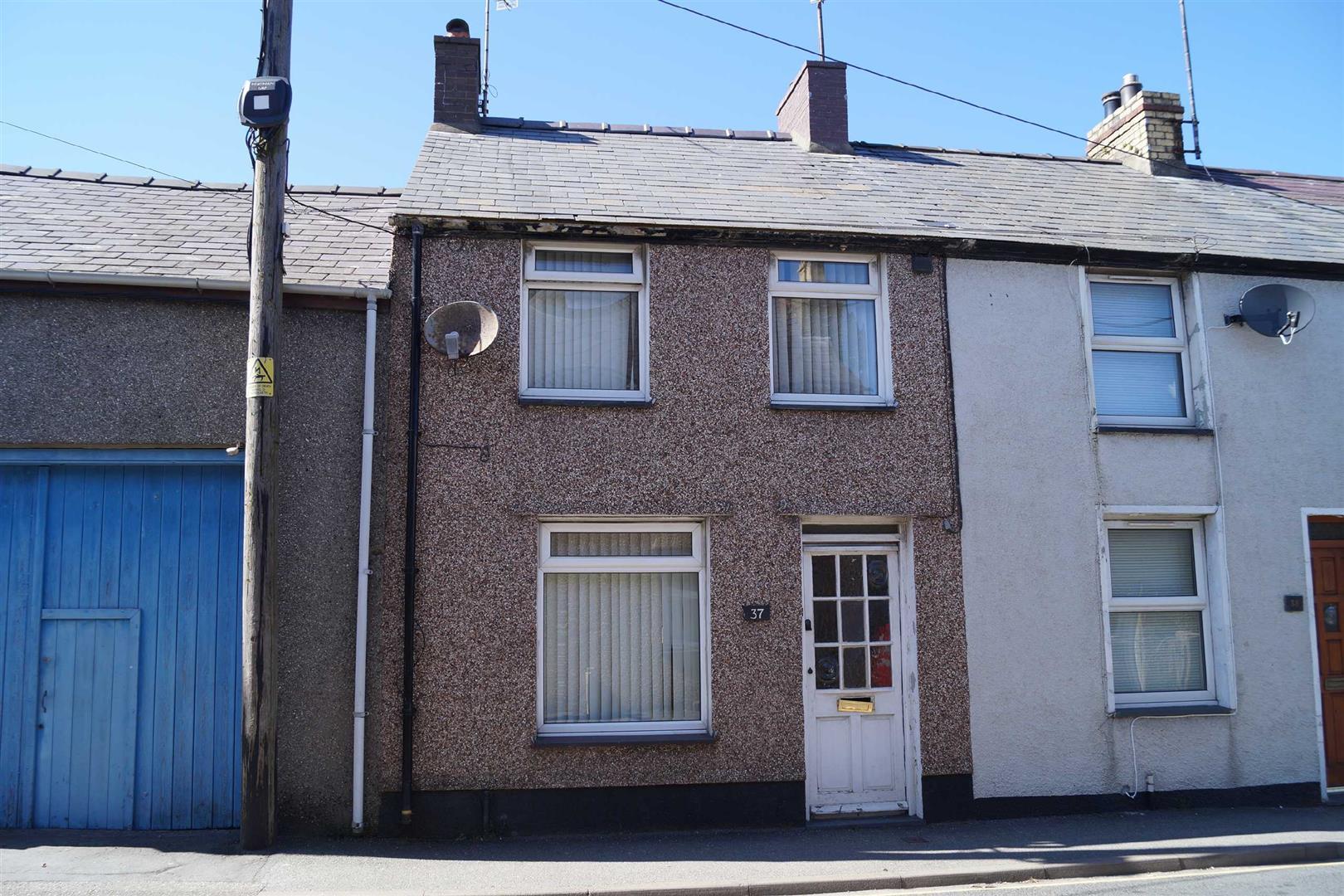 New Row, Pwllheli - £126,500/Realistic offers considered